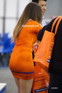 modelo hot vestido entallado