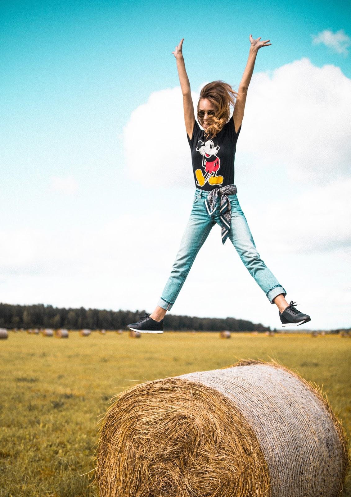 summer fun photography girl jumping
