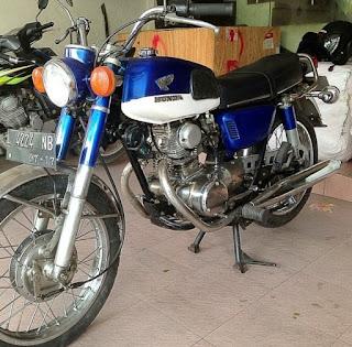 BUKALAPAK MOTOR KLASIK : DIJUAL Honda CB 125 Twin 1968 Full Paper....