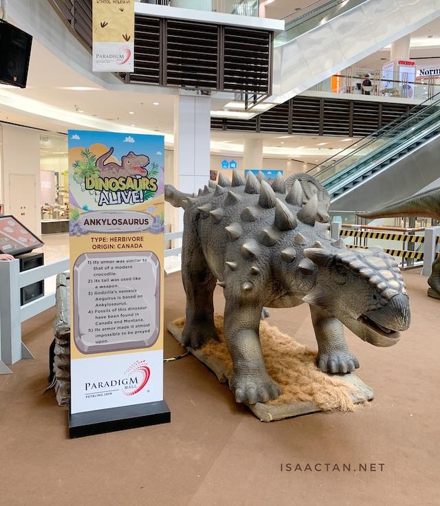 Live-sized animatronic dinosaurs
