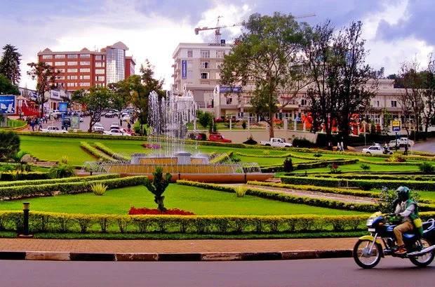 Moroni peut ressembler à Kigali