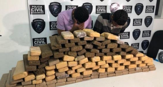 Dupla que transportava 110 quilos de maconha é apresentada pela polícia