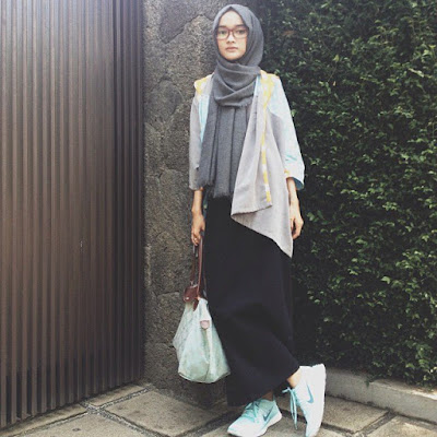 Trend fashion hijab casual