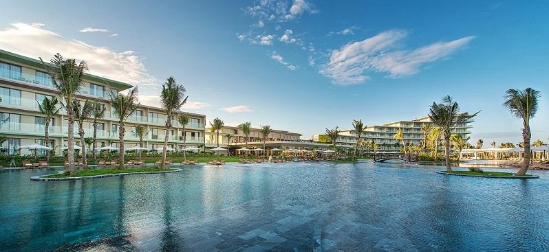 Bể bơi chung cư Samsora Premier