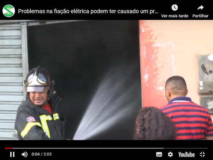 CAXIAS - Problemas na fiação elétrica podem ter causado um princípio de incêndio em comércio
