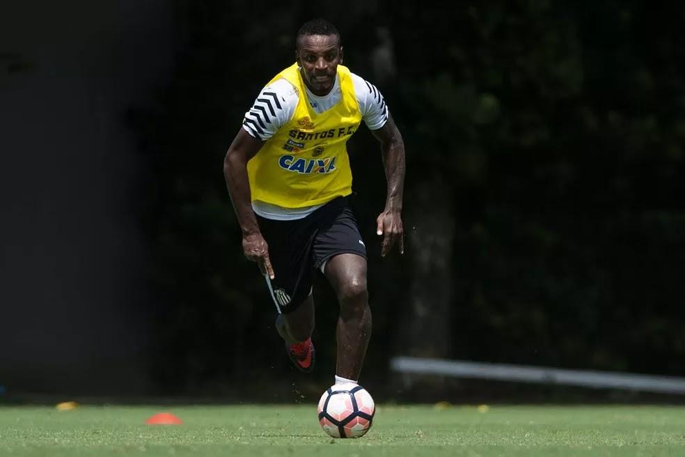 São Paulo faz proposta ao Santos por Cleber e monitora zagueiro da Chape e0062a224be54