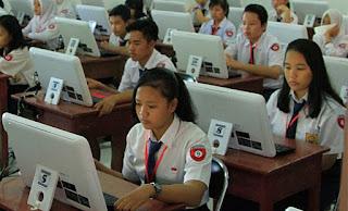 Menubaru aplikasi ujian nasional berbasisi komputer