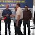Vídeo que circula nas redes sociais afirmando que o deputado Ricardo Barros não teria cumprimentado o prefeito de Maringá é Boato