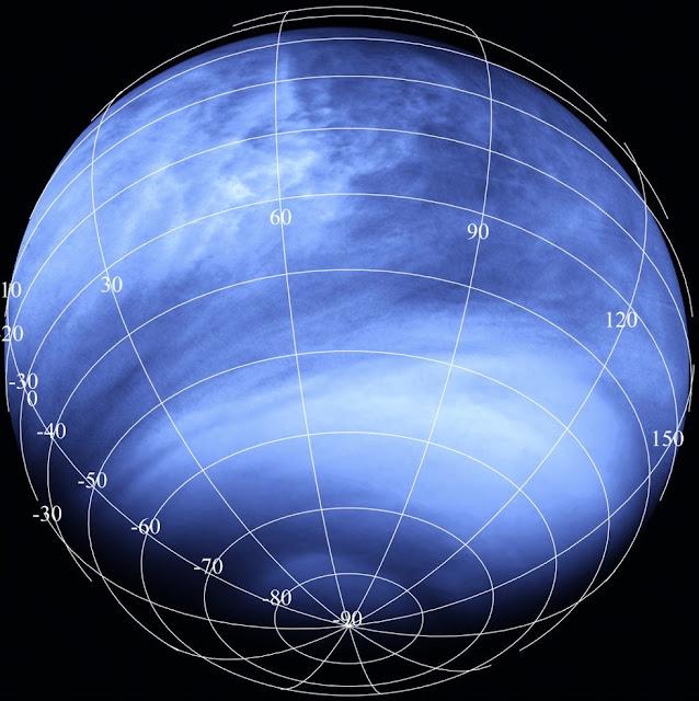 Manchas escuras na atmosfera de Vênus - sinal de vida?