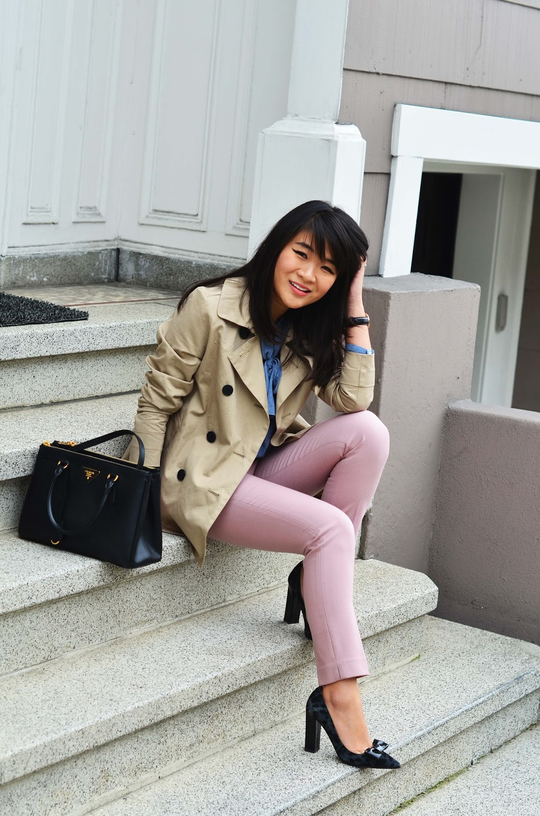Spring Work Outfit Inspiration Blush Chambray Everlane Trench