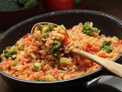 أرز أسباني بلسان العصفور