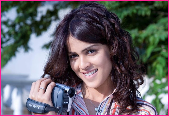 Genelia D'Souza Wiki, Height, Weight, Age, Husband, Family and Biography