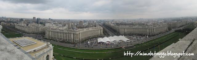 Vistas desde la terraza del Parlamento Bucarest