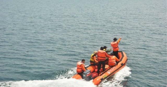 Kapal Motor Nelayan Tenggelam di Selat Madura