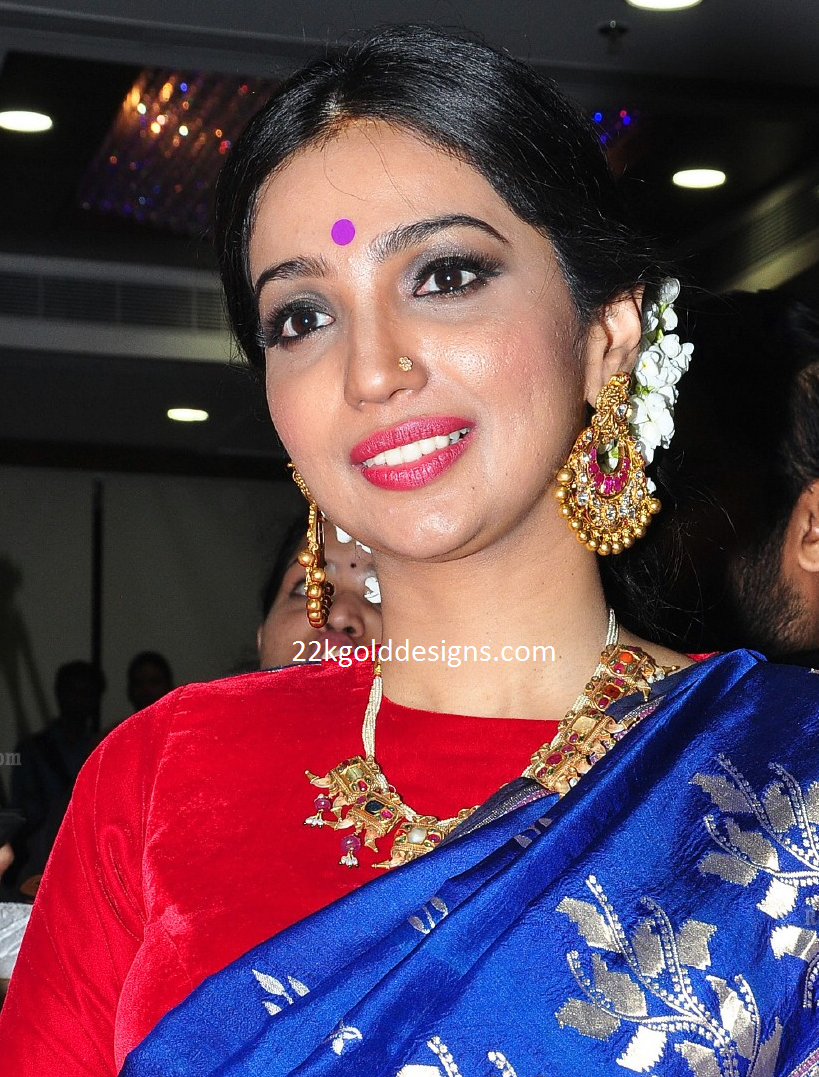 Kanika Dhillon in Navaratna Necklace and Chandbalis