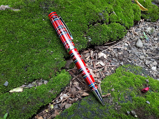 Pena Mewah Monte Mount MM500 Baru Red Ballpoint Chessboard Luxury Pen