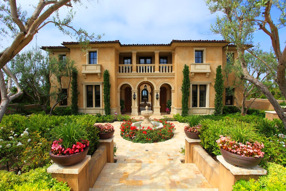 Style Classic And Elegant Mediterranean House