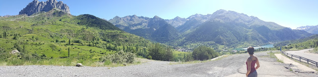 Panoramic view of the north side of the Tena Valley