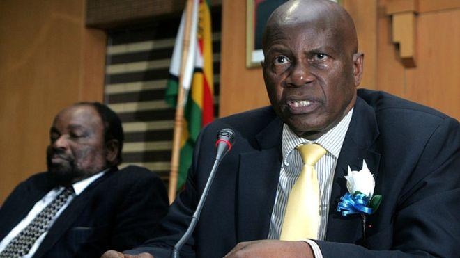 Zimbabwe to cut 25,000 civil service jobs
