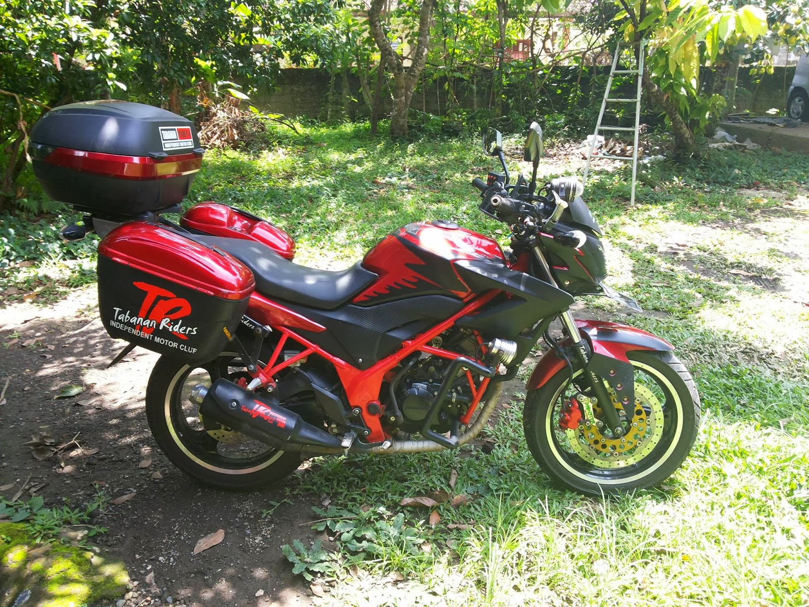 honda beat modif touring html with Koleksi Modif Warna Motor Cb 150 R on Kumpulan Modifikasi Astrea Touring also Modifikasi Motor Honda Astrea Grand Ala C70 Street Cub also Modifikasi Mio Soul Gt 125 Blue Core together with 100 Gambar Motor Mio Gt Terupdate in addition herlands Country Flag.