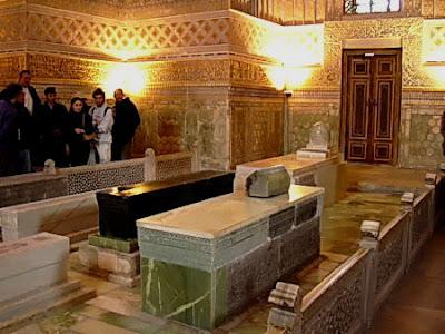 visitors in tamerlane tomb
