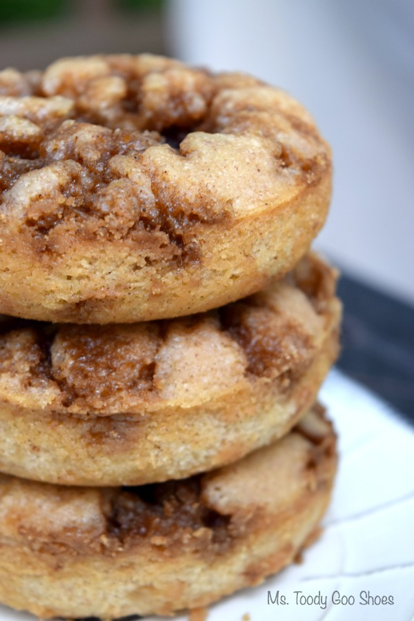 Cinnamon Baked Donuts - you probably have all of the ingredients in the cupboard to make these winners! | Ms. Toody Goo Shoes