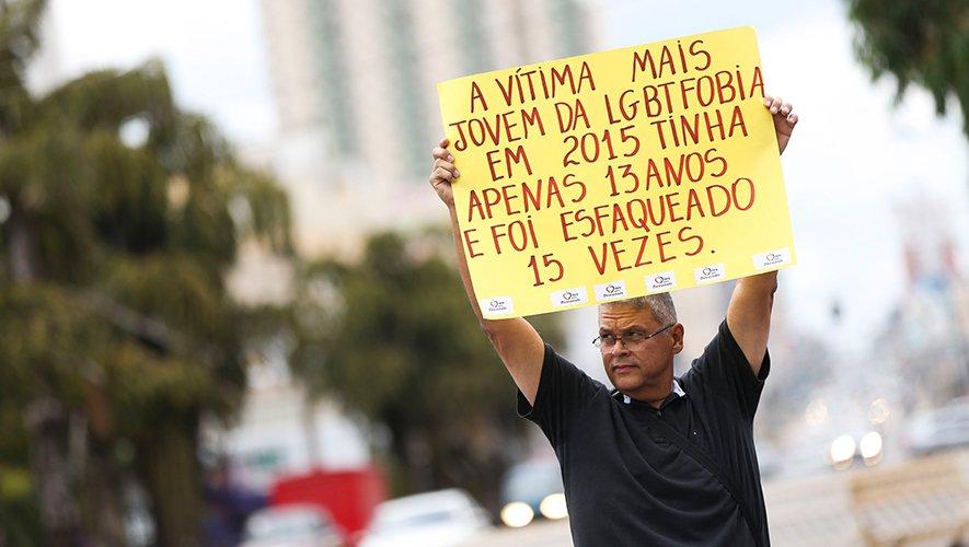 PSOL vai ao STF para escolas coibirem bullying contra estudantes LGBT