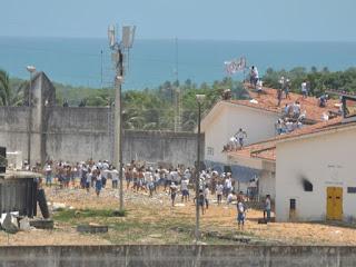 CAOS: Presos voltam a se rebelar na maior penitenciária do RN