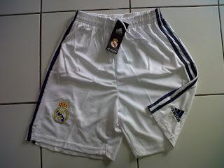 Jual Celana Real Madrid Home 2016/2017 di toko jersey jogja sumacomp, murah berkualitas