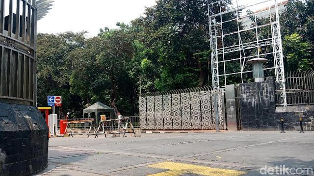 Viral Pagar Masjid Istiqlal 'Diblokir' saat Pengajian Yusuf Mansur, Begini Kata Pengurus