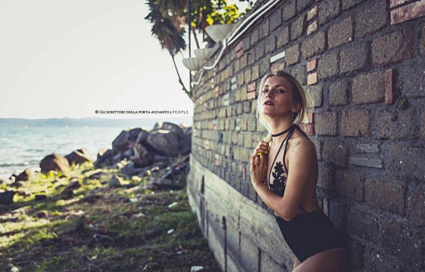 Intervista a Iulia Greco, cantautrice e modella