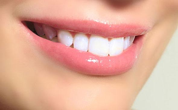 6 Truques Caseiros Para Clarear Os Dentes