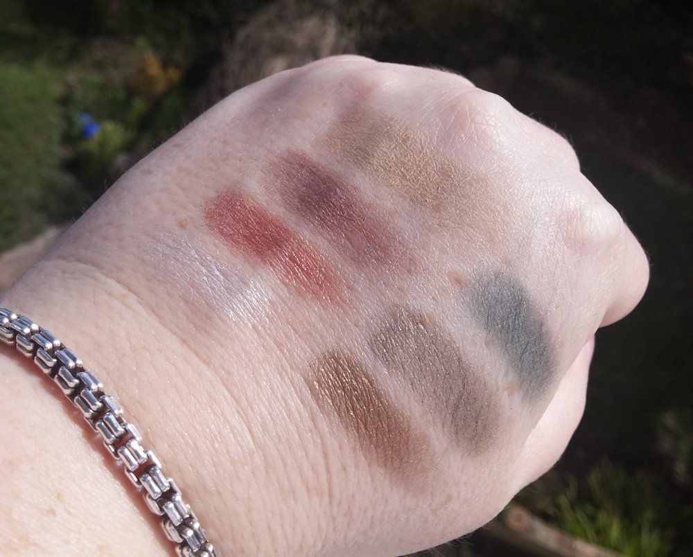 Makeup Revolution British Beauty Blogger Fortune Favours the Brave eyeshadow palette