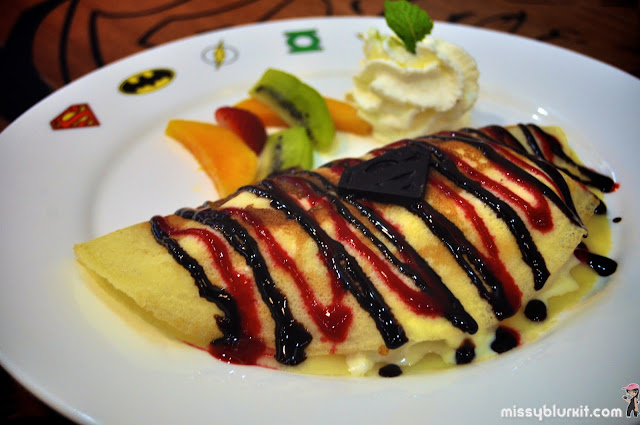 crepe with vanilla ice cream
