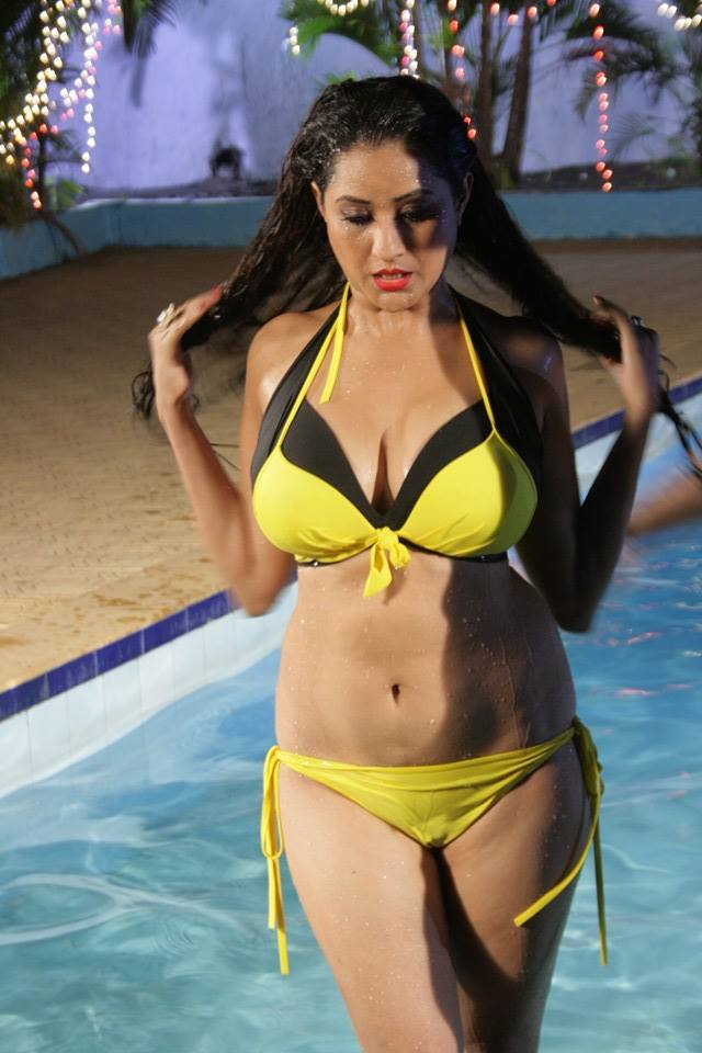 Bhojpuri hot Actress Rakhi Tripathi HD wallpaper, Rakhi Tripathi beautiful photo in Yellow Bikini