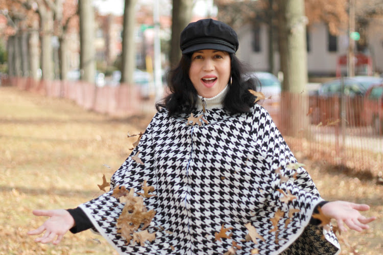 A Vintage Nerd, Houndstooth Cape, 1960s Fashion Inspiration, Retro Style Blog, Vintage Fashion Blog, Vintage Cape