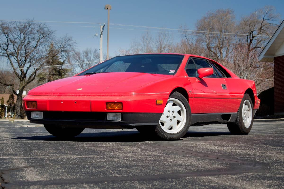 Daily Turismo: Supercar Red: 1989 Lotus Esprit Turbo