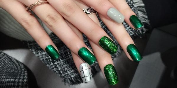 - Green Nail Designs!