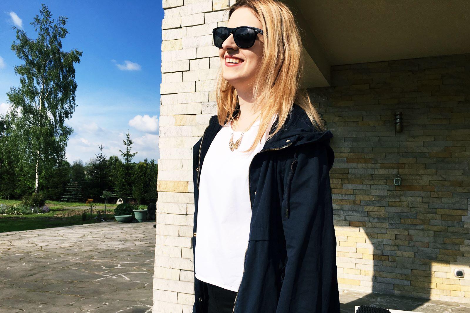 Jak się ubrać na zmienną letnią pogodę?