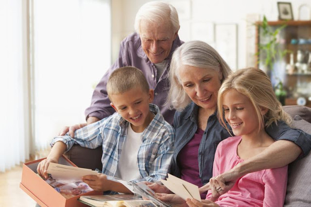 10 Reasons Why The Relationship With Our Grandparents Is Important