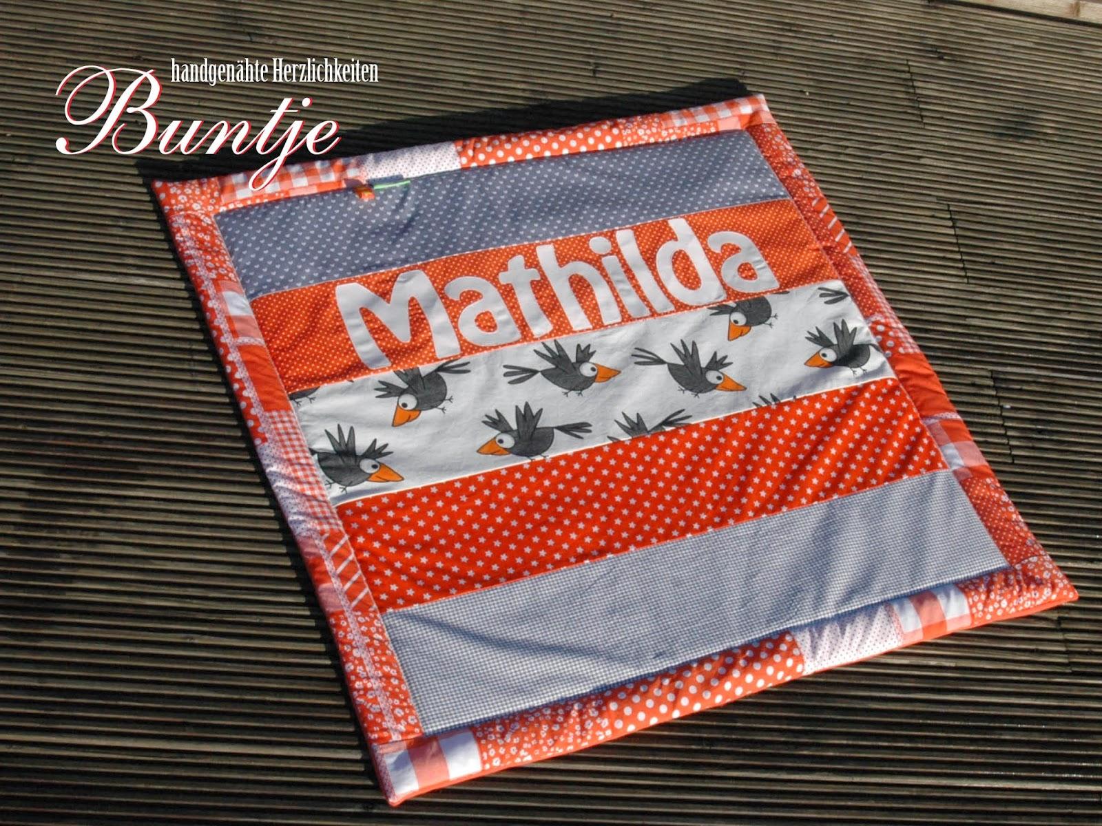 Krabbeldecke Kuscheldecke Decke Baby Name Geschenk Geburt Taufe Mädchen Mathilda orange grau Amsel Rabe Vogel Fleece Baumwolle Buntje nähen