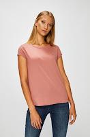 tricouri-si-topuri-pentru-femei-12