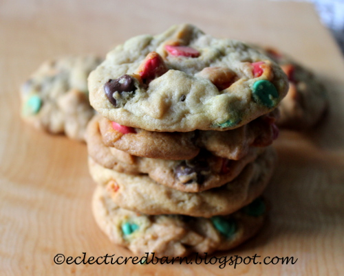 Christmas Chocolate Chip Cookies from Eclectic Red Barn