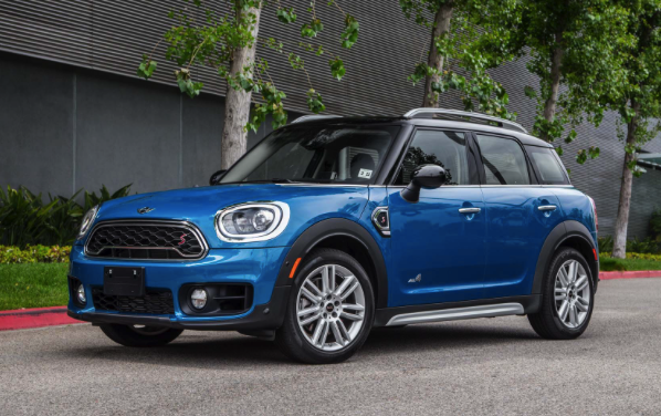 2017 Mini Cooper Countryman ALL4 1.5T Manual Review