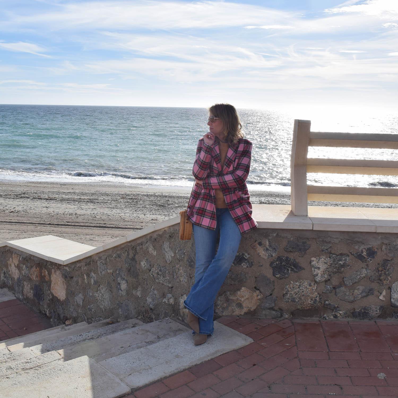 prendas_primavera_en_otoño_Chaqueta_rosa