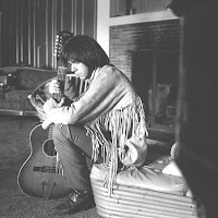 Neil Young mit Gibson B-25 12-string