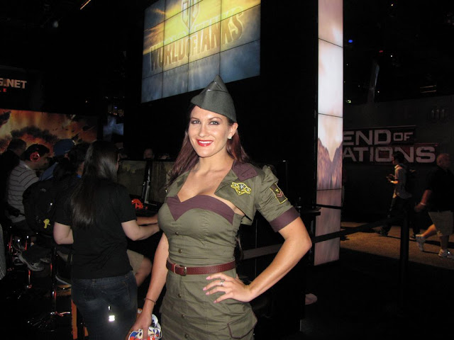 war of tanks booth babe