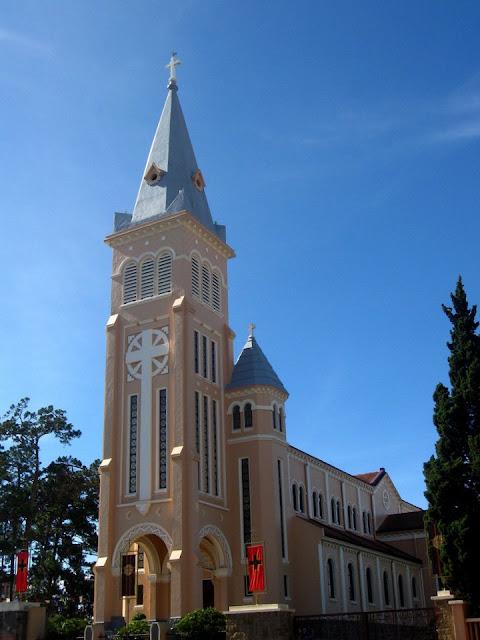 Iglesia de Da Lat