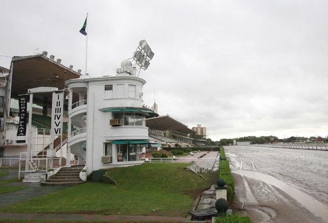 Hipódromo de La Plata pista pesada