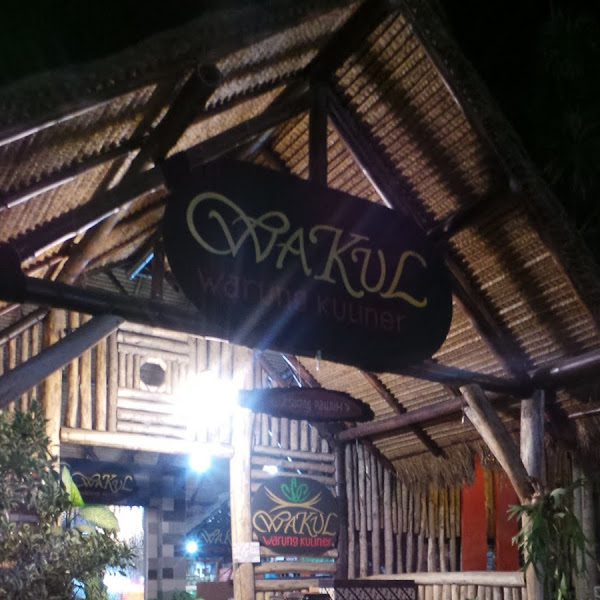 Santap Malam di Warung Kuliner Batu Malang